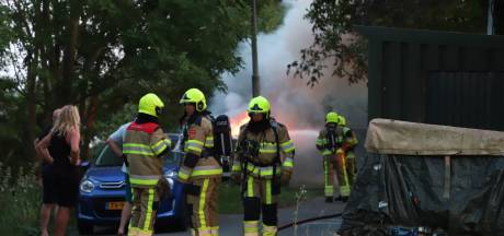 Speedboot in Tielse haven verwoest door brand