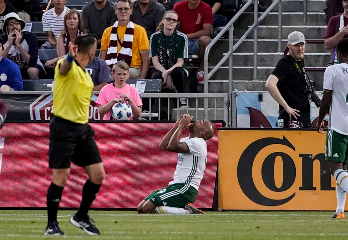 Samuel Armenteros viert zijn goal.
