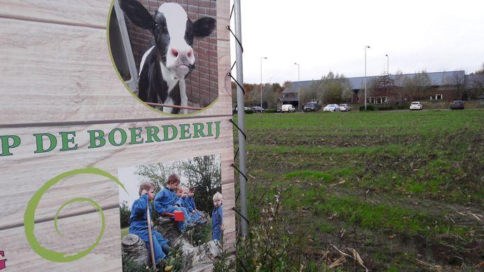 De familie Van Esch in Heukelom combineert haar melkveehouderij met kinderopvang Tierelier