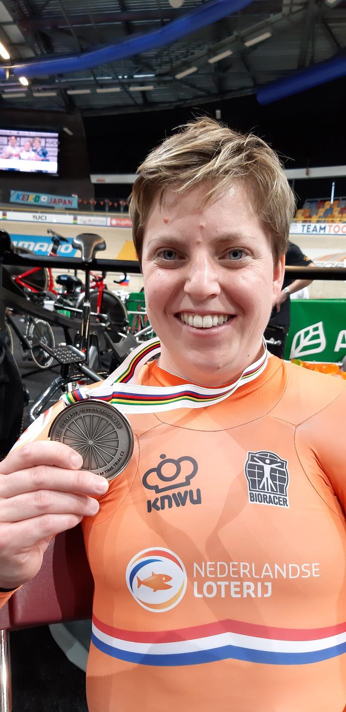 Alyda Norbruis uit Deventer wint zilver op het WK Paracycling.