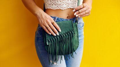 Suède handtassen: een must in elke kledingkast