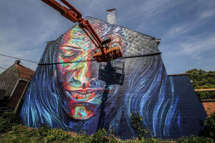 Street-art ter hoogte van de Onze-Lieve-Vrouwemarkt.
