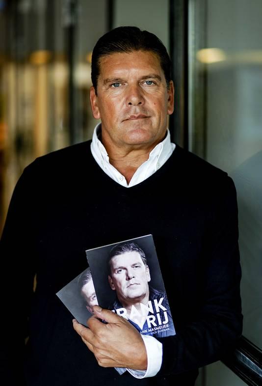 Frank Masmeijer met zijn boek Frank en Vrij.