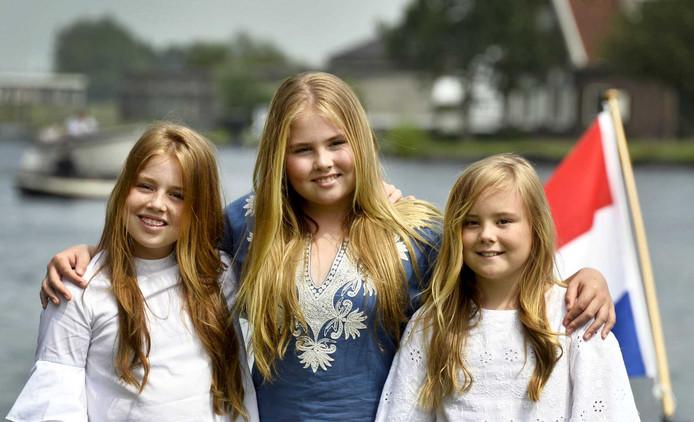 Koninklijke Familie Poseert Wit Blauw Warmond Show