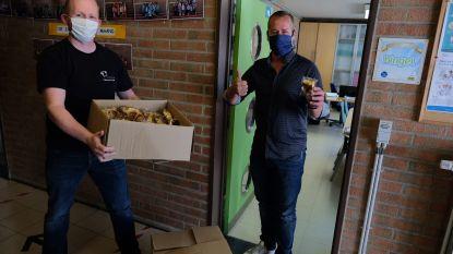 Traiteur verrast leerlingen en personeel Sint-Lambertusschool met gebak