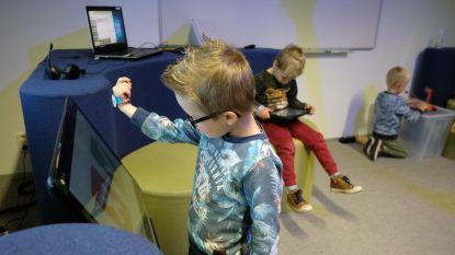 Kleuters en leerkrachten enthousiast voor slimme armbandjes