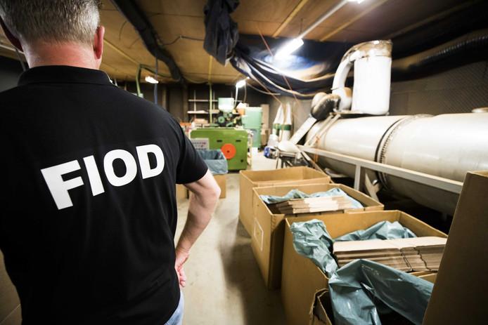 De Fiod rolde in juni dit  jaar een illegale sigarettenfabriek op een industrieterrein in de wijk Overvecht op.