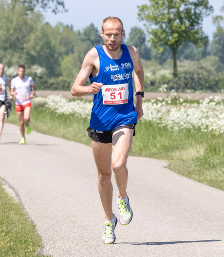 Harmes richt pijlen na achtste marathonzege op Kustmarathon en PR