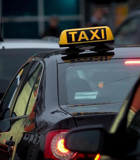 Almelo sleept Taxicentrale Witteveen voor de rechter