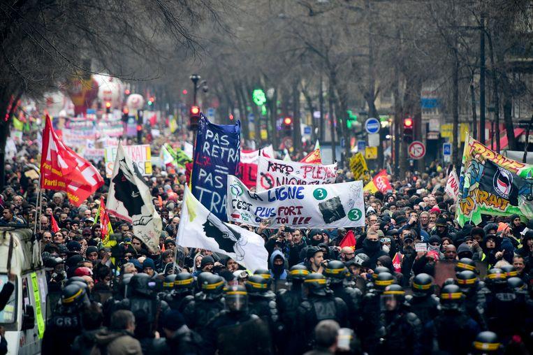 In Parijs kwamen volgens het ministerie van Binnenlandse Zaken 56.000 betogers op straat.
