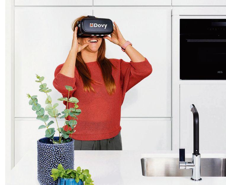 Dankzij een VR-bril bekijk je je toekomstige keuken niet vanop afstand, maar lijkt het net alsof je er echt in staat.