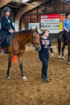 Paardenziekte duikt op in Gouda, manege neemt maatregelen