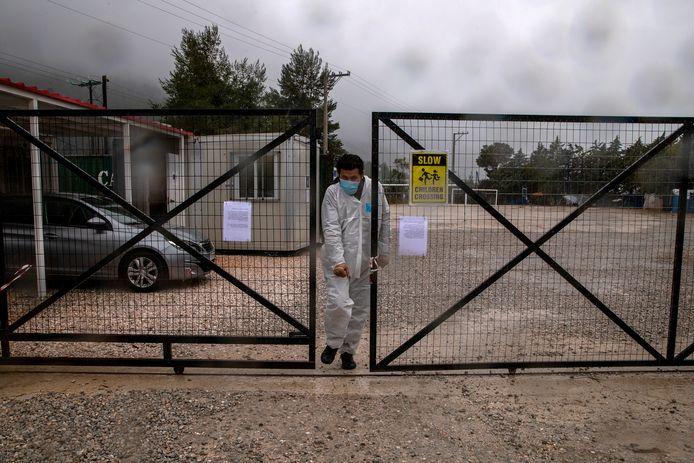 Archiefbeeld. Het vluchtelingencentrum van Malakassa werd begin september al in quarantaine geplaatst uit bezorgdheid over de toenemende verspreiding van het coronavirus.