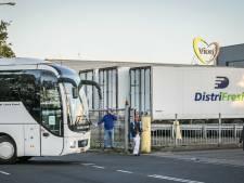Politie: vandaag geen overtredingen bij vervoer Vion-medewerkers Apeldoorn geconstateerd