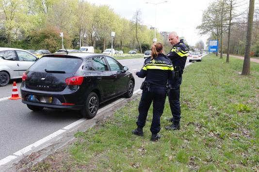 Man aangehouden met getrokken wapens in Eindhoven