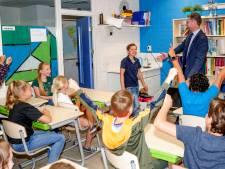 Overval op basisschool in Apeldoorn: Jorn (10) is na barrage de nieuwe kinderburgemeester