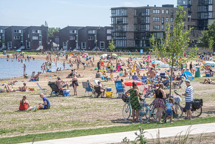 Hoe gaan gemeenten, zoals Zwolle, voorkomen dat tropische temperaturen in de toekomst voor problemen zorgen?