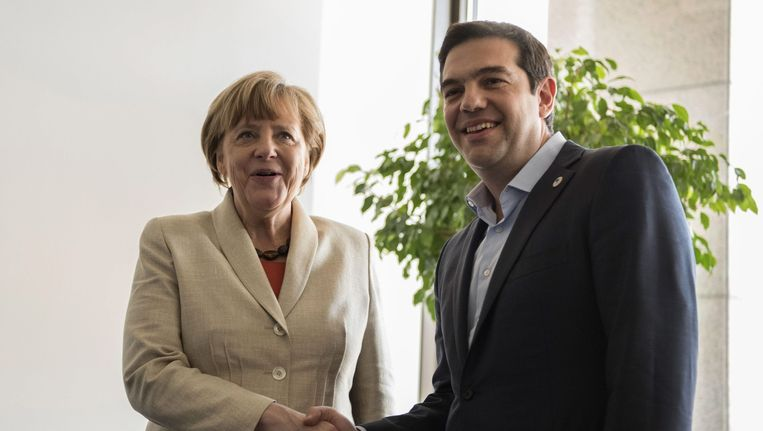 Tsipras met Merkel. Beeld epa
