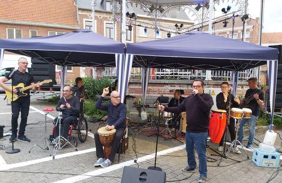 De Bempt Band in actie voor de kiosk