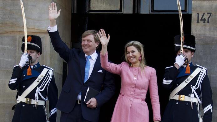 Koning Willem-Alexander en koningin Máxima daags na de troonswisseling.