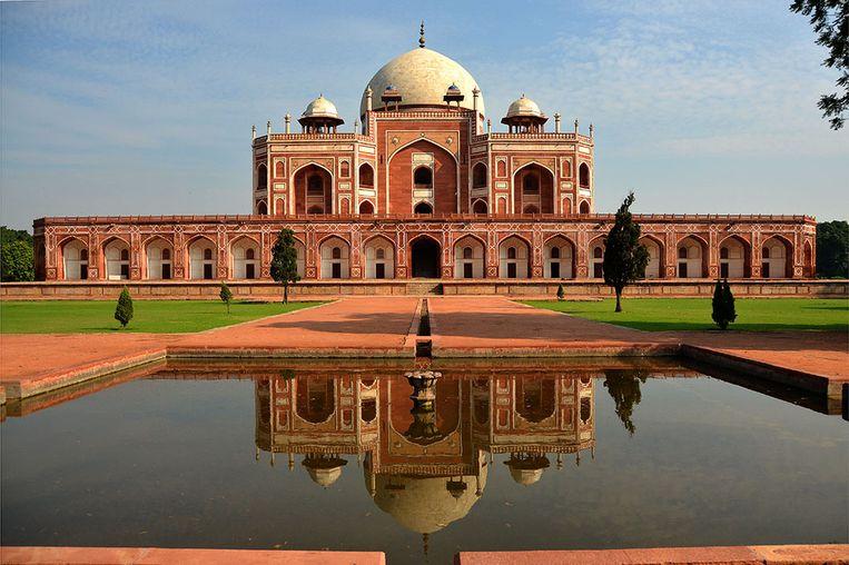 Het mausoleum van Moghulkeizer Humayun is een voorloper van de Taj Mahal. Beeld Wikimedia