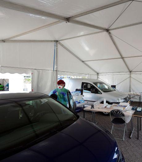 Zo gaat het er aan toe bij de tijdelijke teststraat in Bergen op Zoom