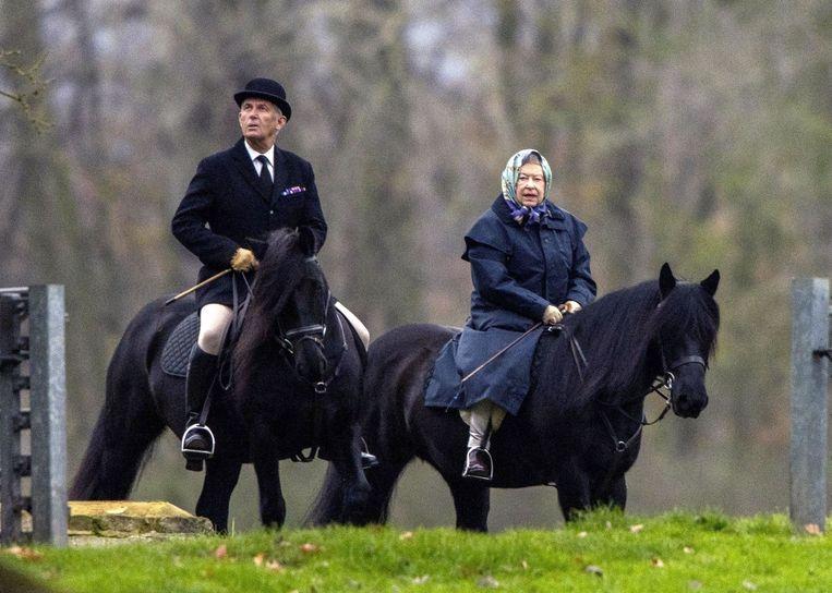 De Queen maakt zelf graag nog een ritje op haar paard.