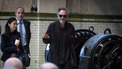 Tim Burton bezoekt tentoonstelling 'The World of Tim Burton' in C-Mine