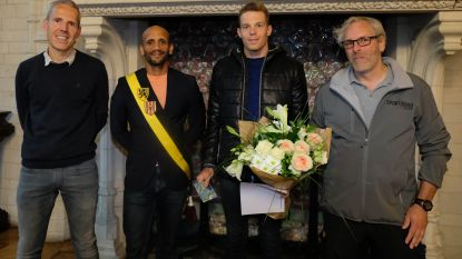 Stadsbestuur huldigt wereldkampioen duathlon Diego Vanlooy