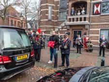 Döllekesgat geeft grootvorst Henk Dekkers prachtig eerbetoon: 'Carnaval zat in z'n bloed'