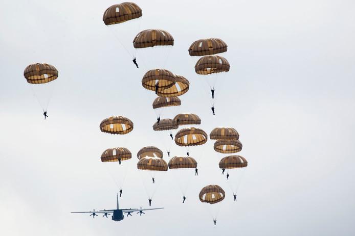 Een jaarlijkse herdenking van de luchtlandingen in Ede.