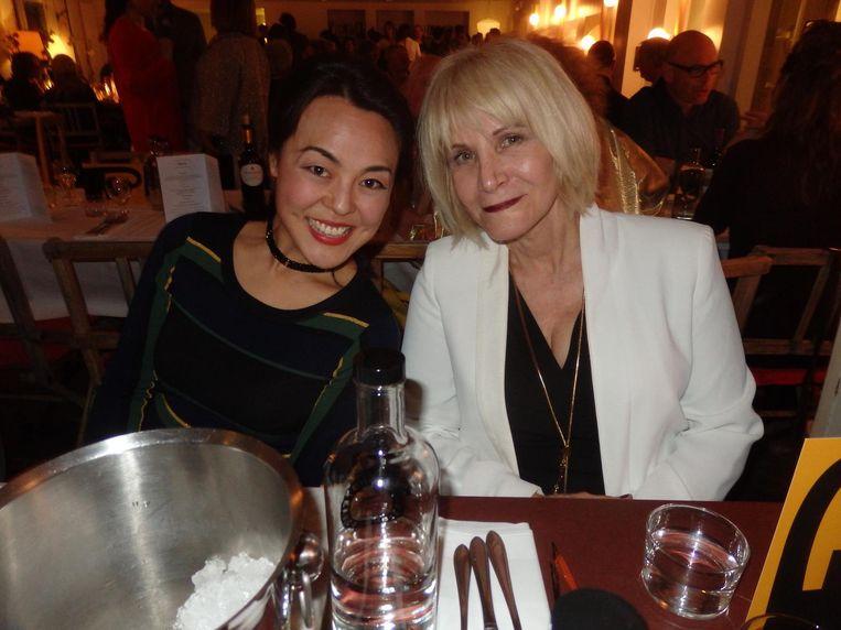 Harpiste Lavinia Meijer en zangeres Tara Hugo. Beiden werkten met Philip Glass Beeld Schuim