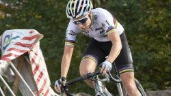 LIVE. Dames zijn nu aan zet in het Tsjechische Tabor: kan wereldkampioene Sanne Cant triomferen?