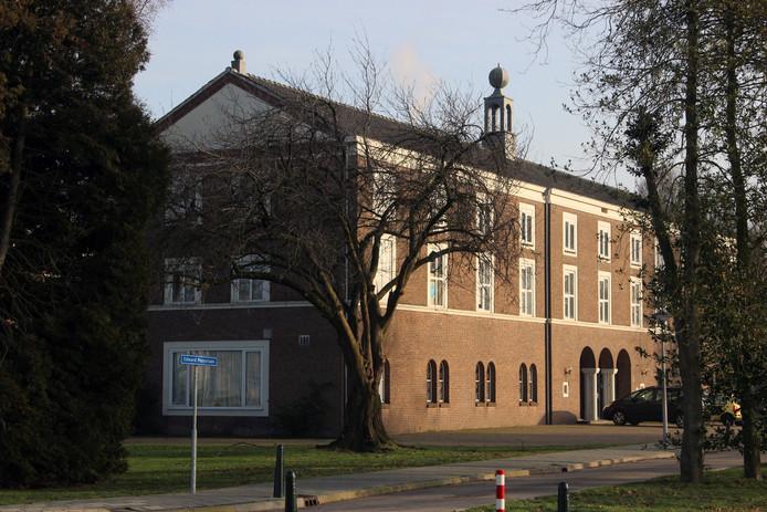 Het voormalig internaat aan de Edward Poppelaan in Etten-Leur.