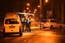 De politie doet onderzoek na een plofkraak bij een geldautomaat in Amerongen.