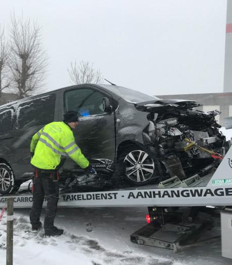 Sneeuw: ongeval door gladde wegen in Brugge