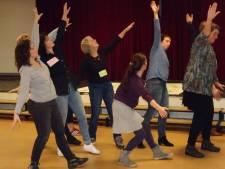 Gastspelers BOXtheater kruipen in de huid van 'tokkies'