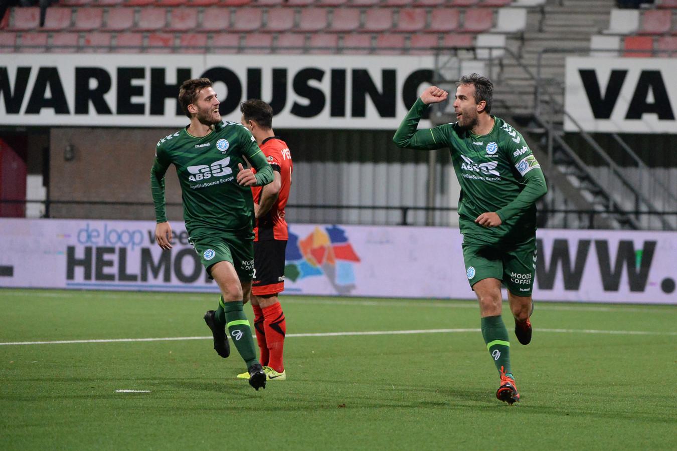 Ralf Seuntjens (rechts) viert zijn wereldgoal met Javier Vet.