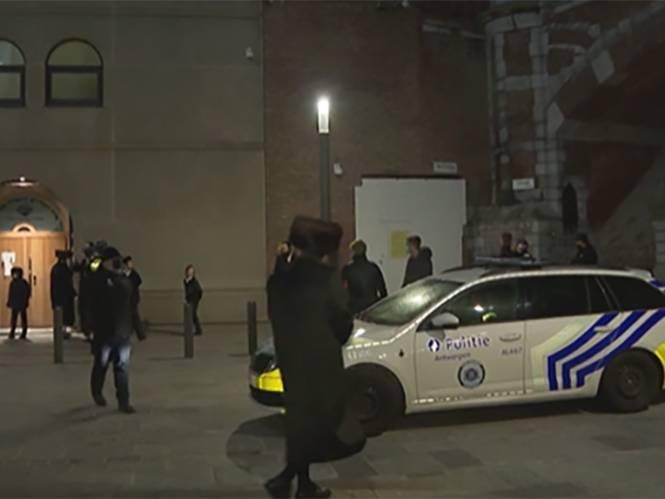 """Bijeenkomst in synagoge met 77 mensen stilgelegd: """"Niet in strijd met de wet"""", zegt advocaat, minister Verlinden spreekt over """"juridisch geneuzel"""""""