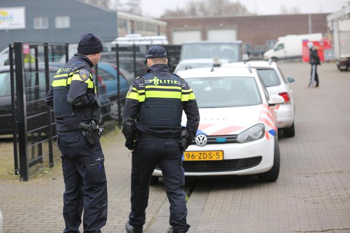 Integrale controle door politie, gemeente en belastingdienst in de Leemstraat Roosendaal