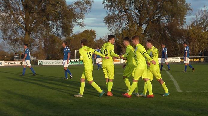 Hoek viert de 0-2 van Rik Impens, de goal die gekozen werd tot doelpunt van de week.