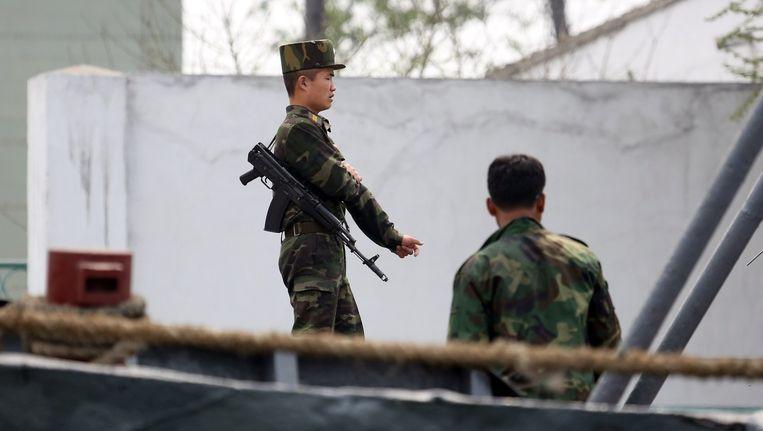 Noord-Koreaanse soldaten in Sinuiju Beeld afp