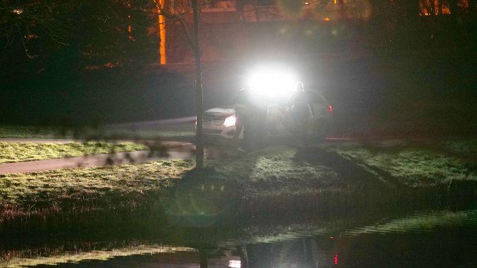 Er werd een mogelijke schietpartij aan de Singel in Deventer gemeld. Agenten met kogelwerende vesten waren ter plaatse.