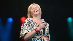 Optreden Barbara Dex in Sportschuur