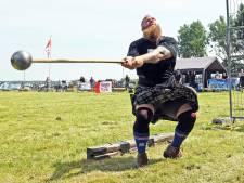 Zelfs de sterke mannen hadden het warm bij Highland Games