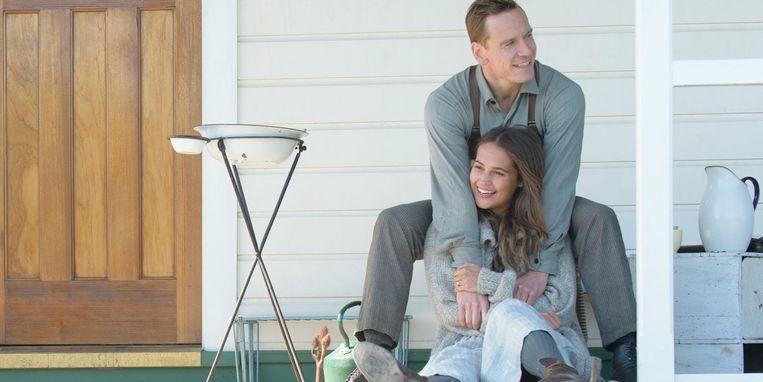 Michael Fassbender en Alicia Vikander in The Light Between Oceans van Derek Cianfrance. Beeld