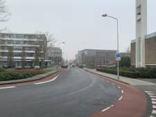 Gemeente Nijkerk wil 'gevaarlijke' smalle wegen Oranjebuurt niet verbreden