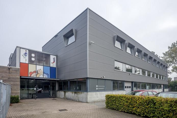 De tweede verdieping van De Tijvert wordt verbouwd zodat er 13 statushouders kunnen wonen.