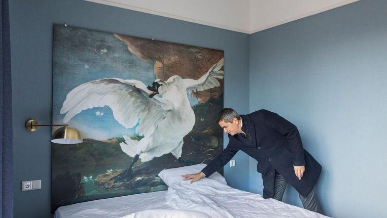 De zelf geproduceerde hotelbedden zijn in de webshop te koop voor 900 euro. Beeld Marc Driessen