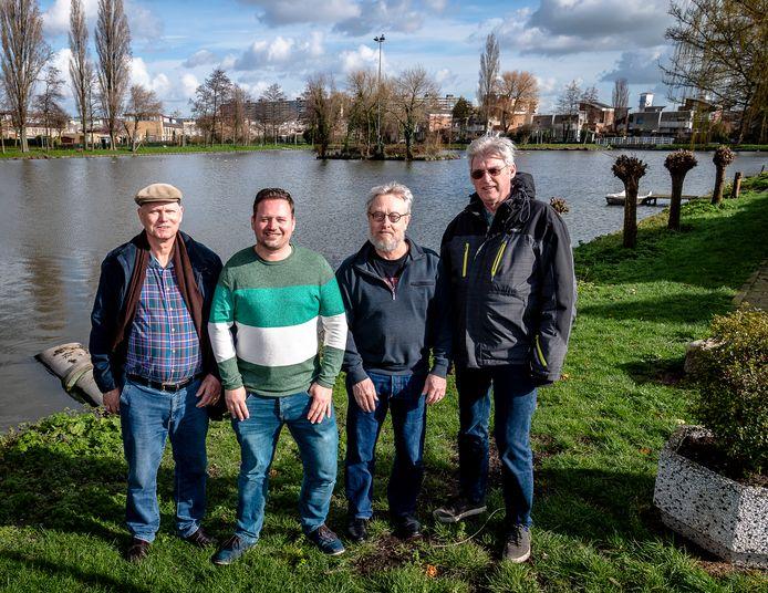 Jos Mosmans, Yoek Kouwenhoven, Jan van Beemen en Ruud Verschoor maakten een plan om de vijver en het gebied eromheen in Capelle aan den IJssel weer nieuw leven in te blazen.